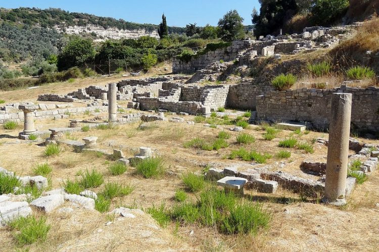 Eleftherna archaeology tour